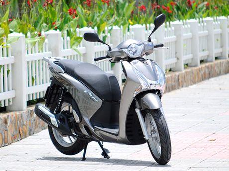 Voc dang Honda SH qua cac the he - Anh 6
