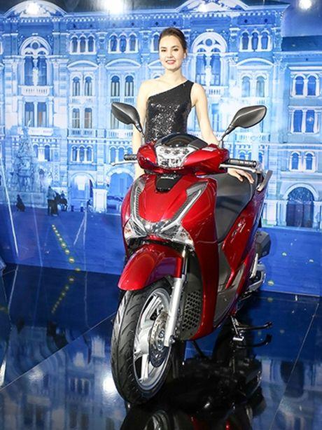 Voc dang Honda SH qua cac the he - Anh 7