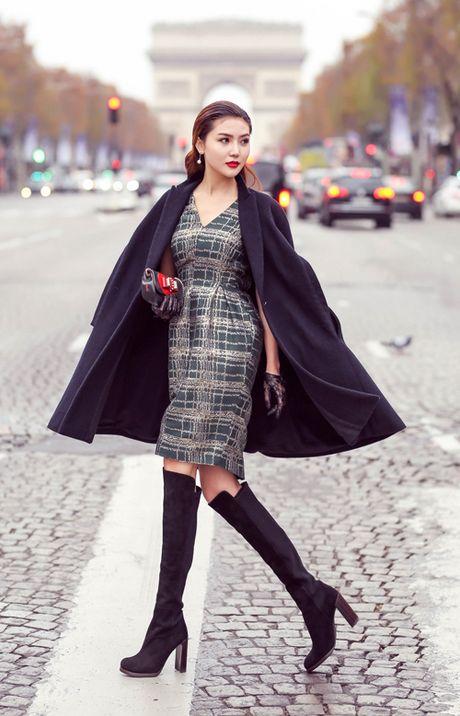 Ngoc Duyen mac thanh lich dao pho Paris truoc them show dien Victoria's Secret - Anh 2