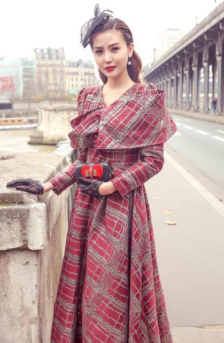Ngoc Duyen mac thanh lich dao pho Paris truoc them show dien Victoria's Secret - Anh 5