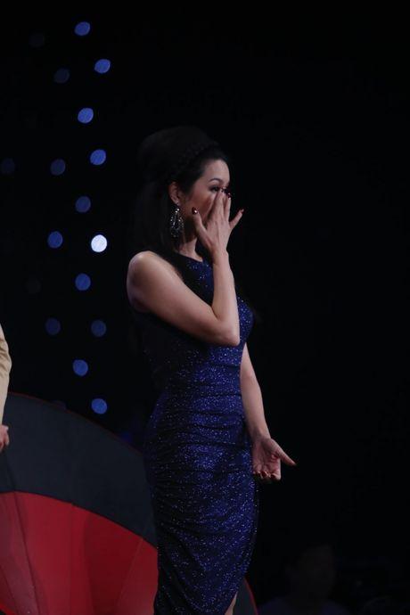 Hoang Oanh, Huong Giang xuc dong bat khoc khi xem Quang Dang mua duong dai - Anh 9