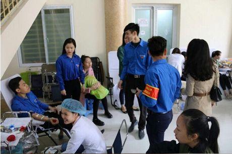 Dai hoc Van hoa Nghe thuat Quan doi : 'Yeu thuong gan lien voi su se chia' - Anh 12