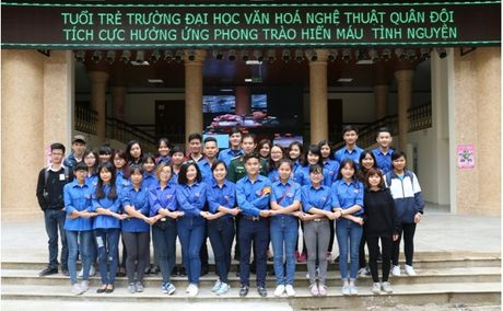 Dai hoc Van hoa Nghe thuat Quan doi : 'Yeu thuong gan lien voi su se chia' - Anh 14
