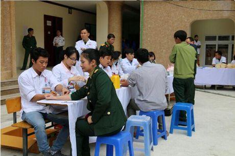 Dai hoc Van hoa Nghe thuat Quan doi : 'Yeu thuong gan lien voi su se chia' - Anh 3