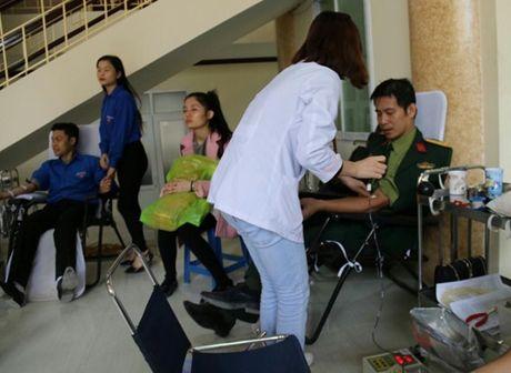 Dai hoc Van hoa Nghe thuat Quan doi : 'Yeu thuong gan lien voi su se chia' - Anh 6