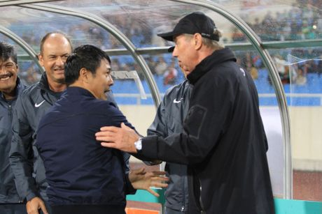 Neu ong Alfred Riedl vo dich AFF Cup 2016… - Anh 2
