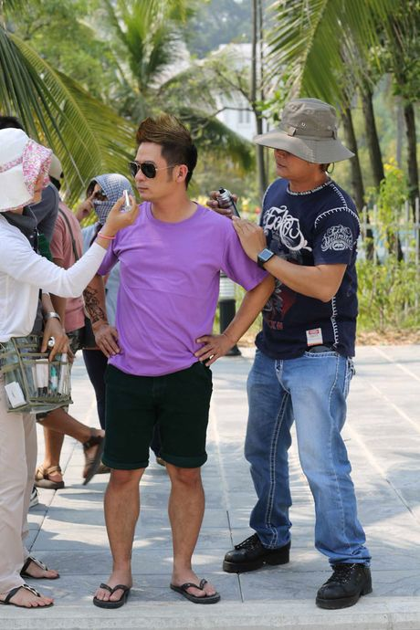Bang Kieu 'choi troi' mung MV dat moc trieu view - Anh 6