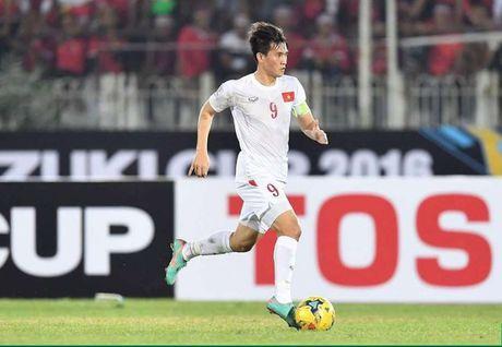 Doi hinh tieu bieu vong bang AFF Cup 2016: Ngoc Hai va Cong Vinh gop mat - Anh 11