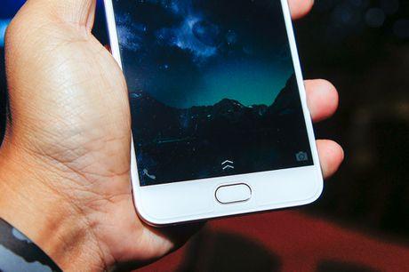 Vivo trinh lang smartphone V5, dung camera truoc 20 MP - Anh 2