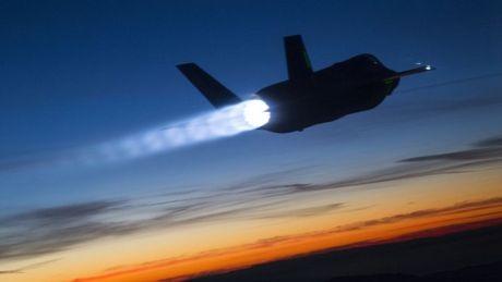My ban may bay tang hinh F-35 cho Israel - Anh 1