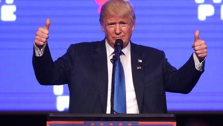 Donald Trump noi le ra da thang ca phieu pho thong - Anh 1