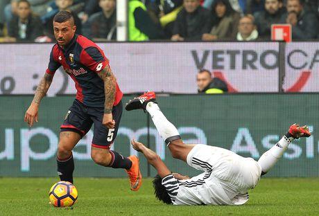 Con trai Simeone lap cu dup nhan chim Juventus - Anh 1
