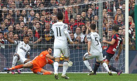 Con trai Simeone lap cu dup nhan chim Juventus - Anh 2