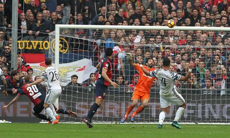 Con trai Simeone lap cu dup nhan chim Juventus - Anh 3