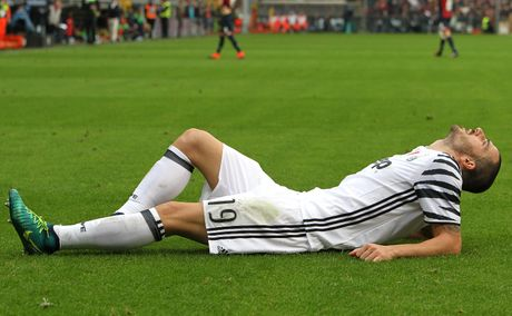 Con trai Simeone lap cu dup nhan chim Juventus - Anh 4