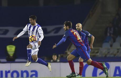 Messi ghi ban, Barca van tut lai o cuoc dua voi Real - Anh 8