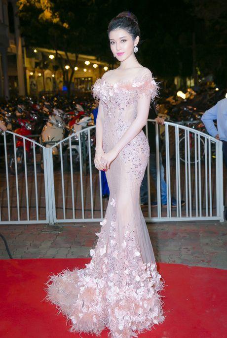 Dang Thu Thao, Chi Pu dan dau nhom sao mac dep - Anh 4