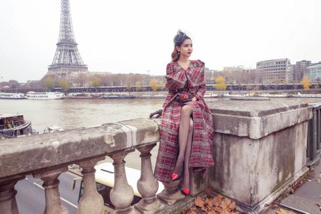 Nu hoang sac dep sanh dieu tren duong pho Paris - Anh 1