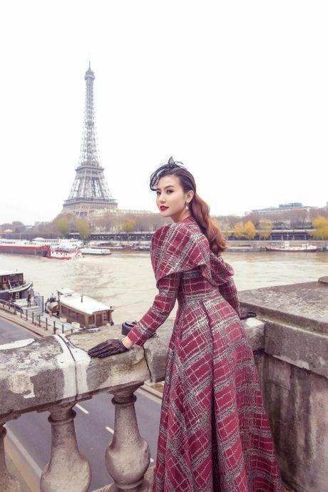 Nu hoang sac dep sanh dieu tren duong pho Paris - Anh 3
