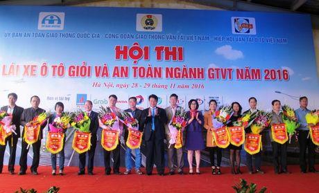Khai mac Hoi thi Lai xe o to gioi va an toan nganh GTVT - Anh 2