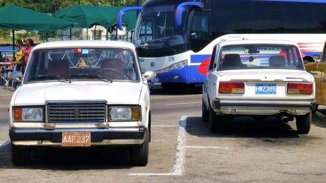 Nhung mau xe co thuong gap tai Cuba - Anh 8
