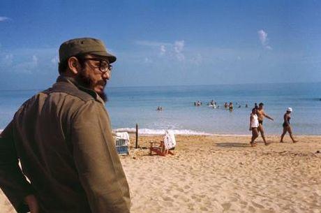 Bo anh doc dao ve cuu Chu tich Cuba Fidel Castro chua tung cong bo - Anh 1