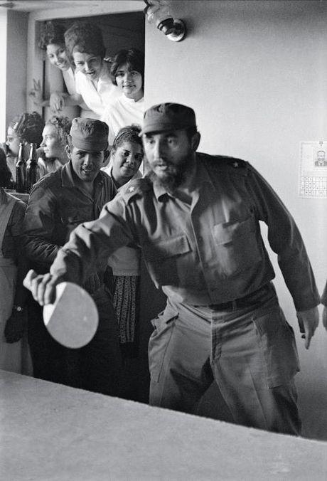 Bo anh doc dao ve cuu Chu tich Cuba Fidel Castro chua tung cong bo - Anh 2