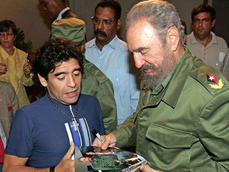 Xuc dong voi tam thu cua Diego Maradona gui lanh tu Fidel Castro - Anh 3