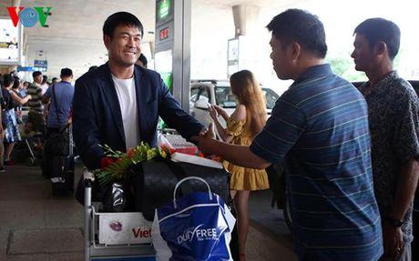 HLV Huu Thang: 'Da tren san Indonesia se gap nhieu suc ep' - Anh 1
