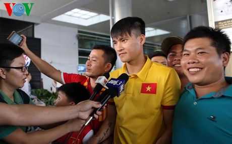 HLV Huu Thang: 'Da tren san Indonesia se gap nhieu suc ep' - Anh 2