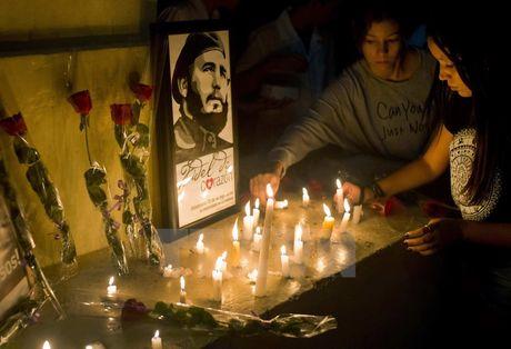 Hinh anh the gioi tien biet lanh tu Cuba Fidel Castro - Anh 10