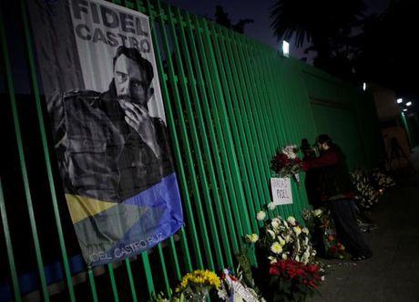 Hinh anh the gioi tien biet lanh tu Cuba Fidel Castro - Anh 11