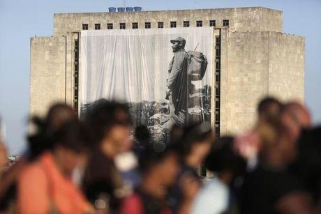 Hinh anh the gioi tien biet lanh tu Cuba Fidel Castro - Anh 2