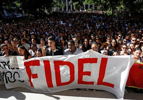 Hinh anh the gioi tien biet lanh tu Cuba Fidel Castro - Anh 9