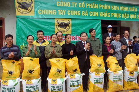 CTCP Phan bon Binh Dien ho tro nong dan Ha Tinh bi thiet hai vi bao lu - Anh 2