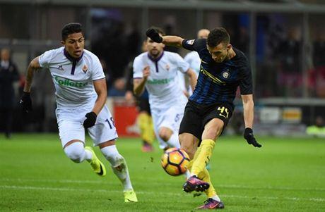Diet gon Fiorentina, Pioli co tran thang dau tien tai Inter - Anh 1