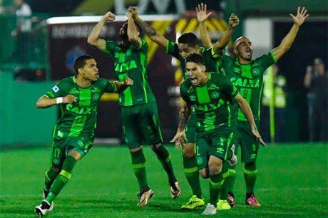 May bay cho CLB cua Brazil roi tai Colombia - Anh 1