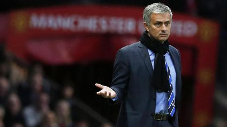 Diem tin toi 29/11: Mourinho dang tu hai minh; Viet Nam sap nhan thuong tien ty - Anh 1