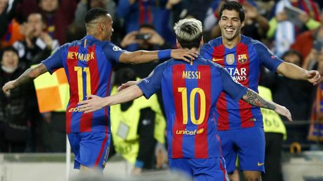 Huong toi El Clasico: Messi vuot troi Ronaldo - Anh 1