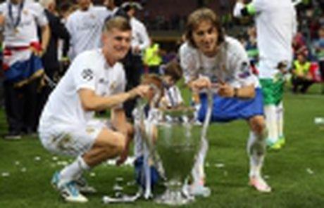 Huong toi El Clasico: Messi vuot troi Ronaldo - Anh 5