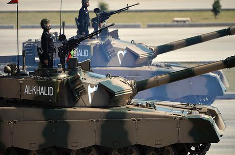 Dang long: Ukraine phai di nang cap xe tang Trung Quoc che tao - Anh 3
