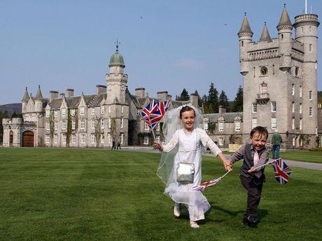Choang ngop nhung noi o cua Nu hoang Anh Elizabeth II - Anh 12