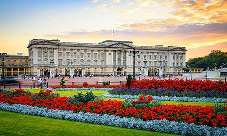 Choang ngop nhung noi o cua Nu hoang Anh Elizabeth II - Anh 1
