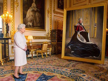 Choang ngop nhung noi o cua Nu hoang Anh Elizabeth II - Anh 4
