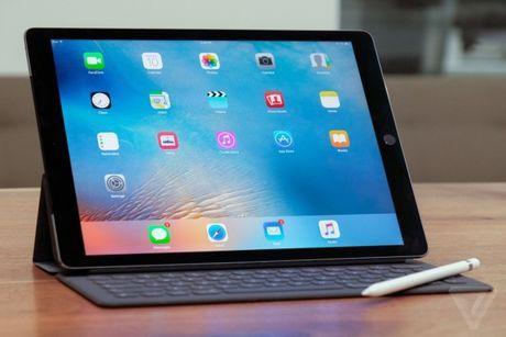 Apple ban iPad Pro tan trang gia tu 509USD - Anh 1