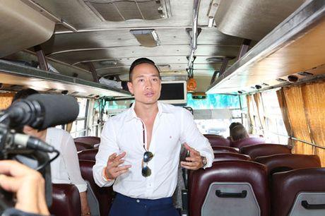 Nghe sy noi tieng di xe buyt ung ho mot TP Ho Chi Minh an toan va than thien - Anh 4