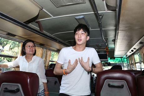 Nghe sy noi tieng di xe buyt ung ho mot TP Ho Chi Minh an toan va than thien - Anh 6