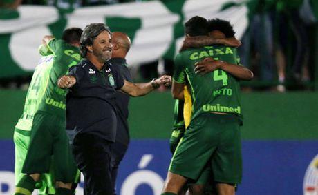 CLB Brazil bi tai nan may bay tai Colombia: 76 nan nhan da tu vong - Anh 2