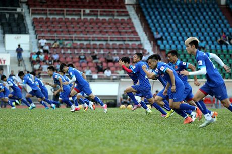 Tuyen Viet Nam tap kin truoc khi len duong di Indonesia da ban ket - Anh 17