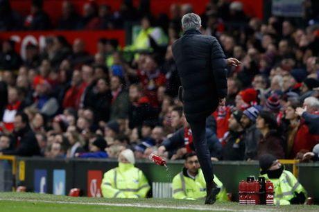 "Mourinho: Lac long, co don giua ""bay soi"" FA - Anh 2"